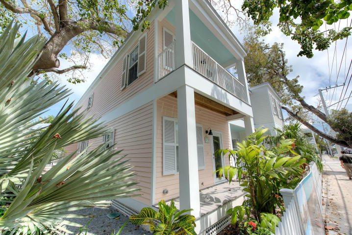 1021 Simonton St – Southernmost Cabana Resort