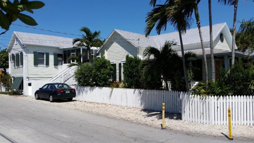 1126  Pearl Street