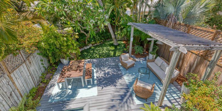 a quintessential destination to savor island life, 923 Southard Street