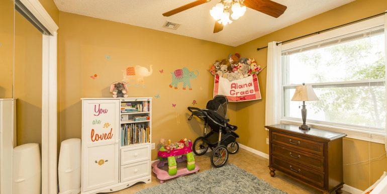 16Sapphire-bedroom2
