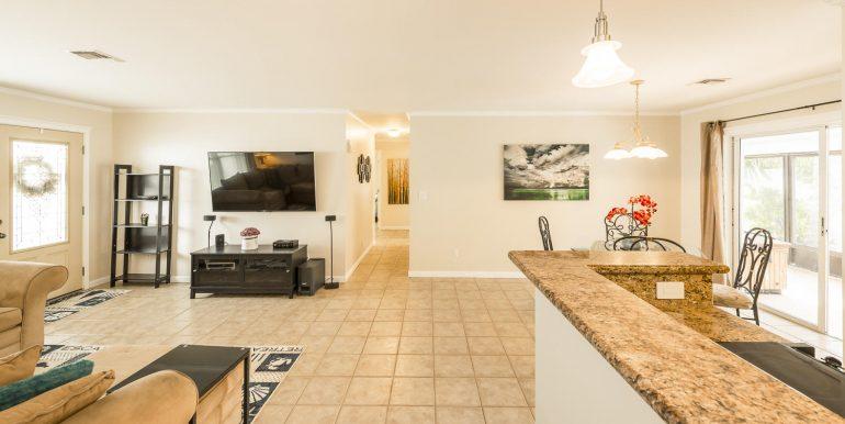 16Sapphire-livingroom