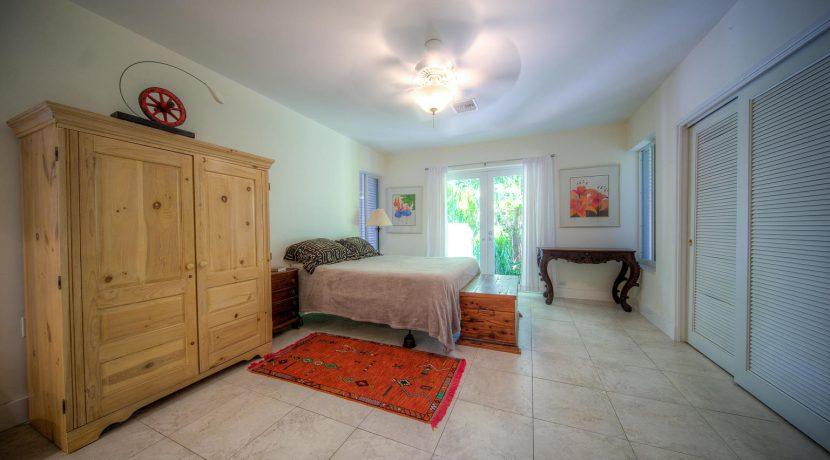 bedroom, 900 Johnson St