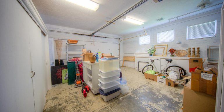 garage, 900 Johnson St