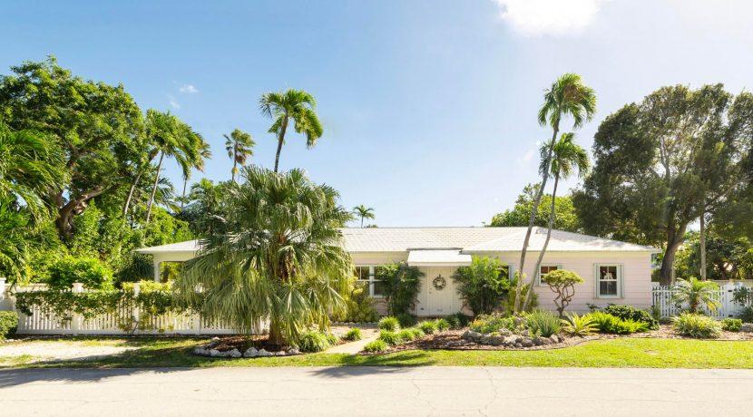 Welcome to 900 Washington Street, a classic ''Key West Cottage''